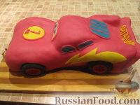 """Фото приготовления рецепта: Торт """"Машинка Маккуин"""" (Тачки) (пошагово) - шаг №32"""