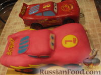 """Фото приготовления рецепта: Торт """"Машинка Маккуин"""" (Тачки) (пошагово) - шаг №34"""