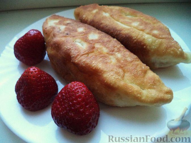 Пирожки на кефире жареные с клубникой #2