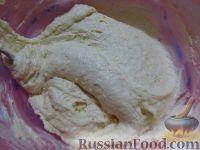 Фото приготовления рецепта: Большой праздничный торт - шаг №8