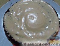 Фото приготовления рецепта: Большой праздничный торт - шаг №11