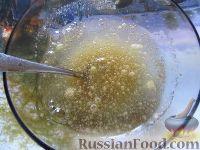"""Фото приготовления рецепта: Классический торт """"Птичье молоко"""" - шаг №7"""