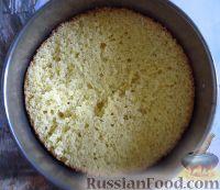 """Фото приготовления рецепта: Классический торт """"Птичье молоко"""" - шаг №11"""