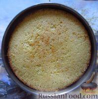 """Фото приготовления рецепта: Классический торт """"Птичье молоко"""" - шаг №13"""
