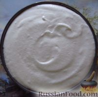 """Фото приготовления рецепта: Классический торт """"Птичье молоко"""" - шаг №14"""