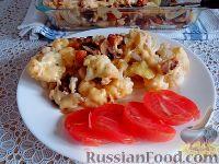 Фото к рецепту: Запеканка из цветной капусты, с грибами и сухариками