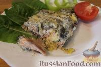 Фото к рецепту: Горбуша под сметанно-грибным соусом (в фольге)