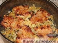 Фото приготовления рецепта: Бифштекс хозяйский (по-польски) - шаг №3