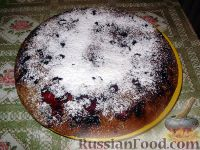 Фото к рецепту: Вишневая шарлотка