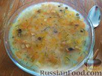 Фото к рецепту: Куриный суп с грибами и манкой