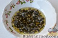Фото приготовления рецепта: Маринованные помидоры черри с базиликом - шаг №6