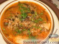 Фото к рецепту: Щи из лососевых голов с морской капустой