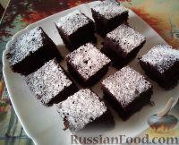 Фото к рецепту: Простой шоколадный пирог из кислого молока
