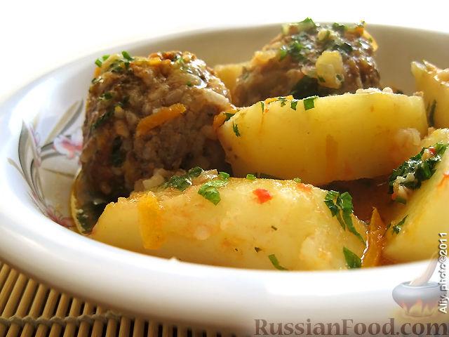 Тефтели с рисом и картошкой