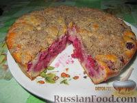 Фото к рецепту: Сочный пирог с малиной