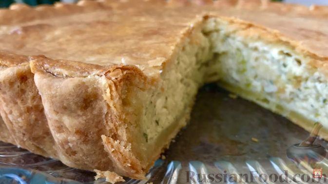 Пирог луковый с сыром