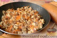 Фото приготовления рецепта: Горячие бутерброды «Лодочки» - шаг №4