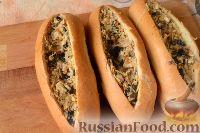 Фото приготовления рецепта: Горячие бутерброды «Лодочки» - шаг №7