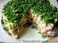 Фото к рецепту: Слоеный салат с сельдью
