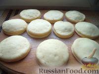 Фото к рецепту: Дрожжевое тесто для пончиков с начинкой
