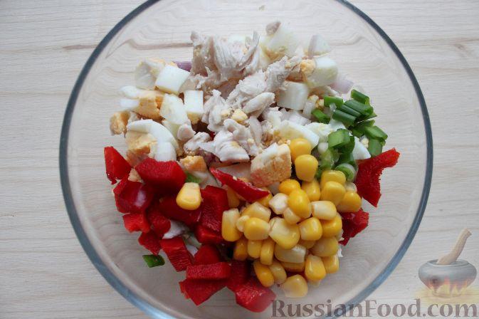 Салат с куриной грудкой и перцем