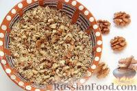 Фото приготовления рецепта: Салат с курицей, грибами и ананасами - шаг №5