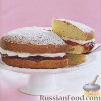 Фото к рецепту: Торт со сливками и клубничным джемом
