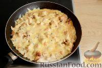 Фото приготовления рецепта: Жюльен с курицей и грибами - шаг №7