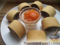 Фото к рецепту: Штрудель с маком и грецкими орехами