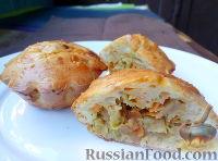 Фото к рецепту: Порционные заливные пироги с капустой