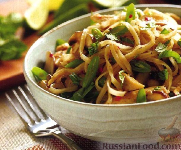 Рецепт Рисовая лапша с тофу, зеленым луком и арахисом