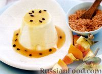 Фото к рецепту: Панна Котта с лаймом и соусом из маракуйи