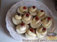 Фото к рецепту: Яйца, фаршированные куриным мясом