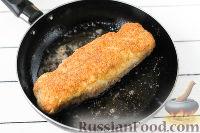 Фото приготовления рецепта: Куриный рулет с сыром и укропом - шаг №10