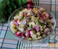 Фото к рецепту: Деревенский картофельный салат с жареными грибами