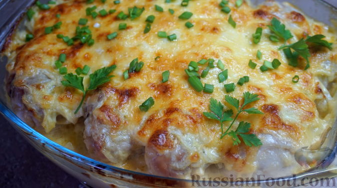 бедрышки в духовке с картошкой и сыром