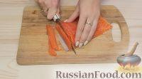 """Фото приготовления рецепта: Салат-закуска """"Царский рулет"""" - шаг №2"""