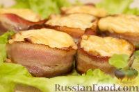 Фото к рецепту: Фаршированные грибы в беконе
