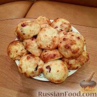 Фото к рецепту: Сырники с сухофруктами (в духовке)