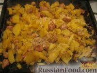 Фото приготовления рецепта: Свинина, запеченная с картофелем - шаг №7