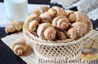 Фото к рецепту: Творожные рогалики с маком