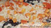 Фото приготовления рецепта: Энчилада с ветчиной, сыром и сладким перцем - шаг №9