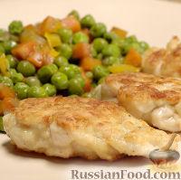 Фото к рецепту: Рубленые котлеты из куриной грудки, с овощами