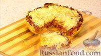 Фото к рецепту: Пирог с сосисками, беконом и фасолью