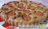 Фото к рецепту: Постная медовая коврижка с абрикосами и изюмом