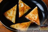 Фото приготовления рецепта: Треугольники из лаваша с фаршем - шаг №7