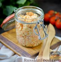 """Фото к рецепту: """"Намазка"""" из сельди, плавленого сыра и моркови"""