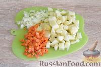 Фото приготовления рецепта: Куриный суп с красной чечевицей (в мультиварке) - шаг №3