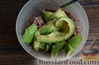 Фото приготовления рецепта: Паста из авокадо и тунца, для бутербродов - шаг №4