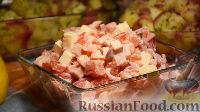 Фото к рецепту: Салат с ветчиной и маринованным луком (без майонеза)